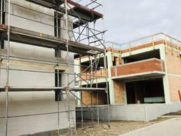 Rohbauten in Neubaugebiet