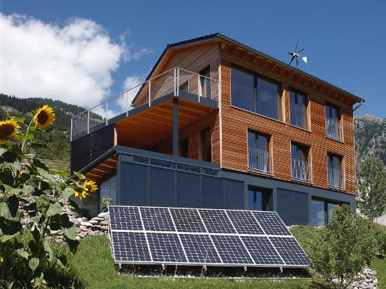 okohaus holzhaus am hang mit photovoltaik anlage bild graaer anzeigen frankfurt dr adam
